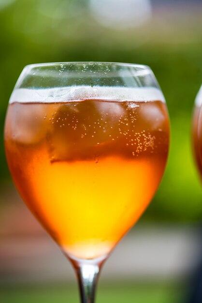 Verão refrescante aperitivo bebida aperol spritz Foto Premium