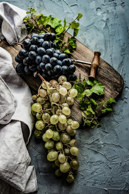 Vinho tinto e uva Foto Premium
