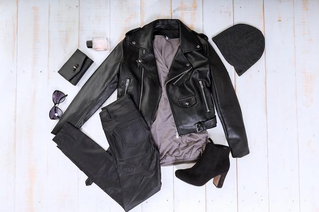 Visão aérea de roupas casuais da mulher Foto Premium