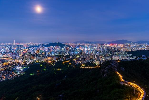 Vista aérea da cidade de seoul na noite, coreia do sul. Foto Premium