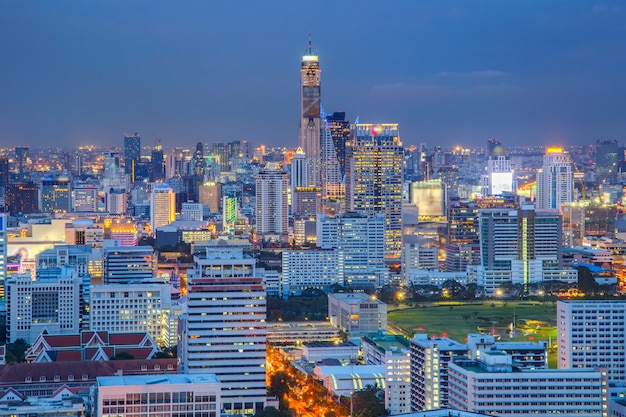 Vista aérea, de, bangkok, modernos, edifícios escritório Foto Premium