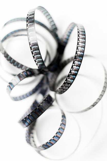 Vista aérea, de, emaranhado, película, listras, isolado, branco, fundo Foto gratuita