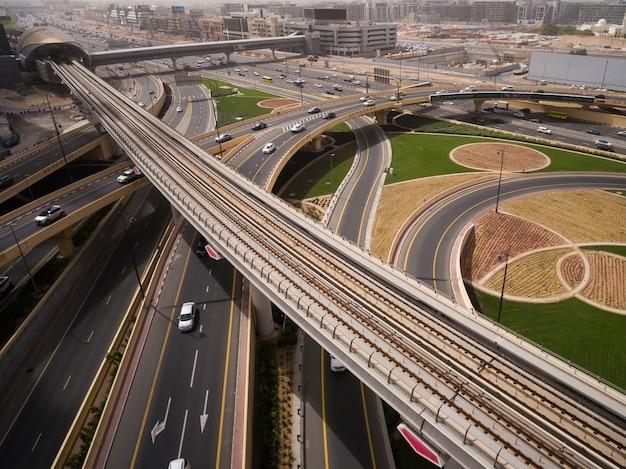 Vista aérea, de, junção estrada, em, dubai, uae Foto Premium