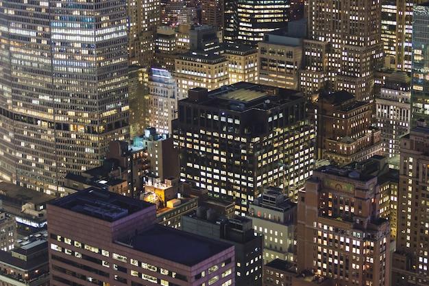 Vista aérea de nova york à noite Foto Premium
