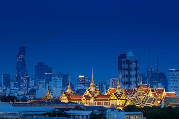 Vista aérea, de, real, palácio grandioso, ligado, bangkok, tailandia, com, luxu Foto Premium