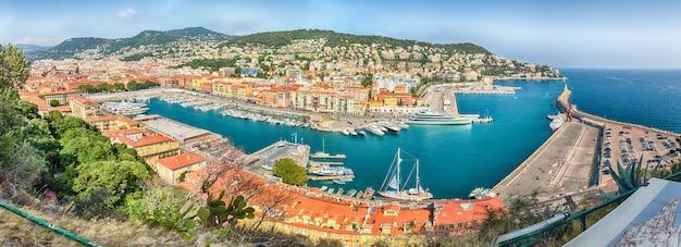 Vista aérea do porto de nice, cote d'azur, frança Foto Premium