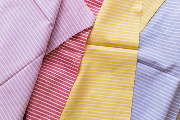 Vista alta ângulo, de, vário, multi, colorido, listras, padrão, têxteis Foto gratuita