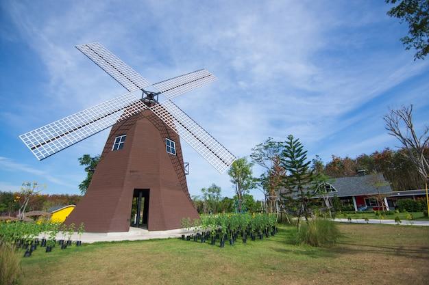 Vista da casa da turbina Foto Premium
