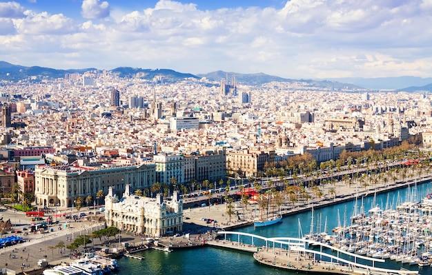 vista da cidade de barcelona catalunha foto gratis vista da cidade de barcelona catalunha