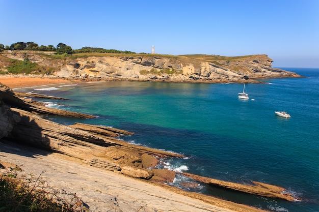 Vista da costa de santander Foto Premium