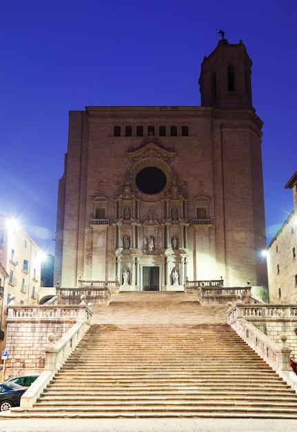 Vista da manhã de girona - catedral gótica Foto gratuita