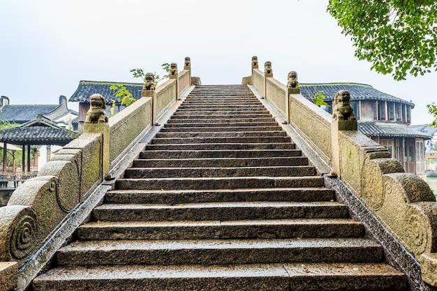 Vista das escadas do chinise Foto gratuita