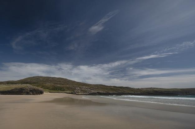Vista, de, bonito, colina, e, praia Foto gratuita