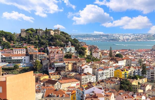 Vista, de, lisboa, cityscape, e, são, jorge, castelo Foto Premium