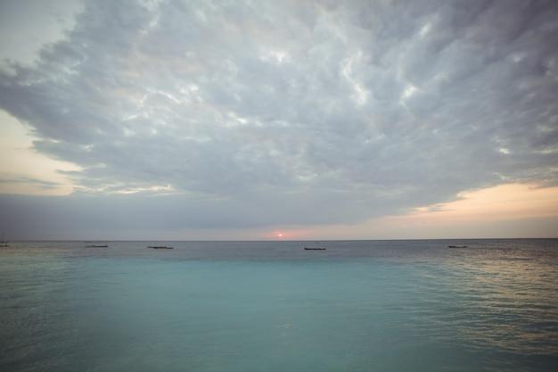 Vista de mar lindo Foto gratuita