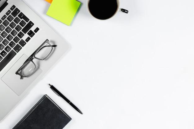 Vista de mesa de trabalho, plana leigos Foto Premium