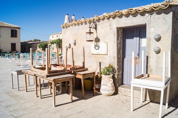 Vista, de, um, típico, rústico, casa, em, marzamemi, sicília Foto Premium