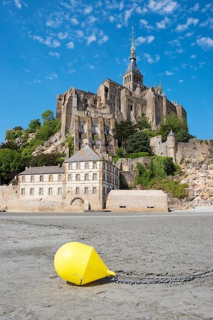 Vista do famoso mont-saint-michel e bóia, frança, europa. Foto Premium