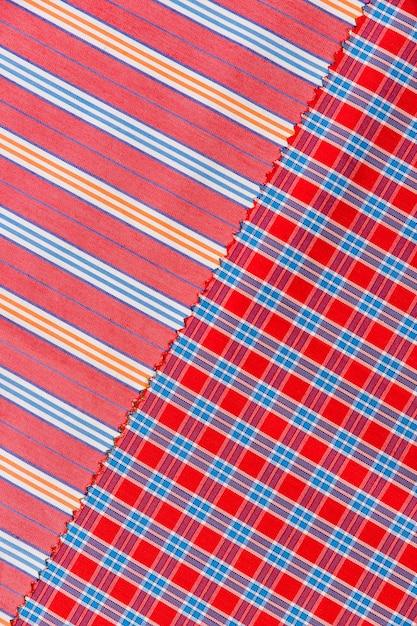 Vista elevada, de, checkered, e, linhas retas, padrão, têxtil Foto gratuita