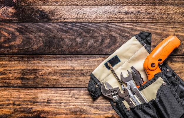 Vista elevada, de, vário, ferramentas, em, toolbag Foto gratuita