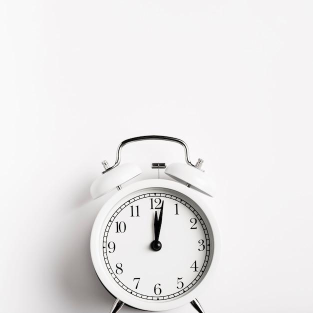Vista frontal lindo relógio retrô Foto gratuita