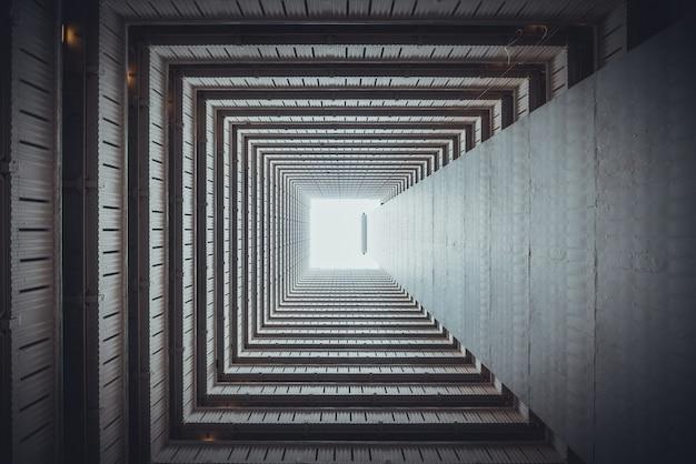 Vista inferior quadrada isométrica de dentro do edifício. Foto Premium