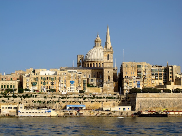 Vista na cidade antiga valletta, malta Foto Premium
