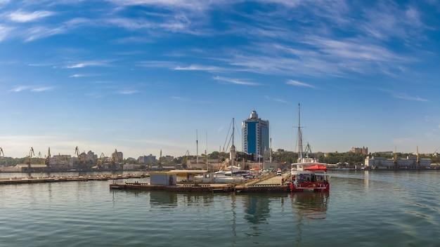 Vista panorâmica da costa de odessa Foto Premium