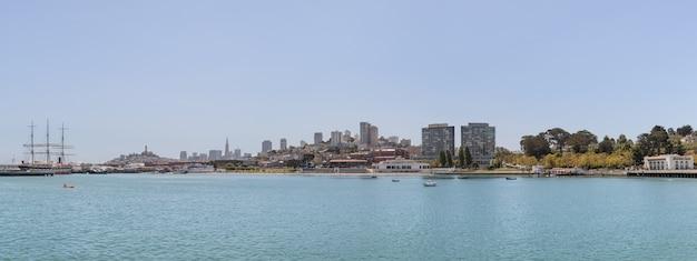 Vista panorâmica de uma zona costeira da cidade de são francisco Foto Premium