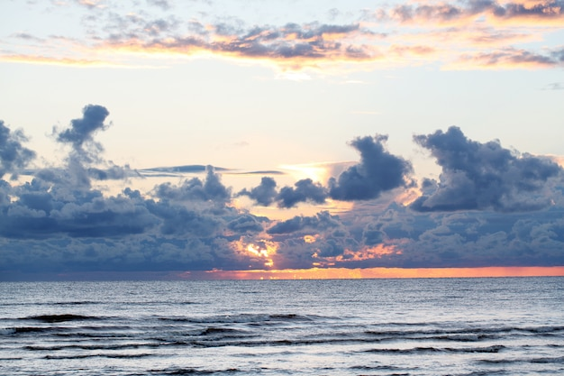 Vista sobre o mar Foto gratuita