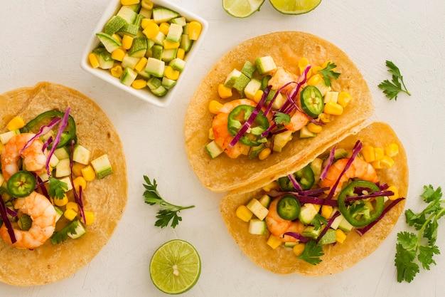 Vista superior conceito de comida mexicana Foto gratuita