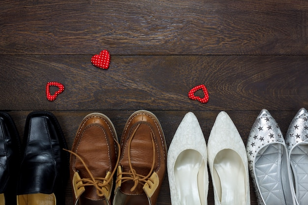 1677c3cdd Vista superior da forma do coração vermelho com fashionnable vários ...