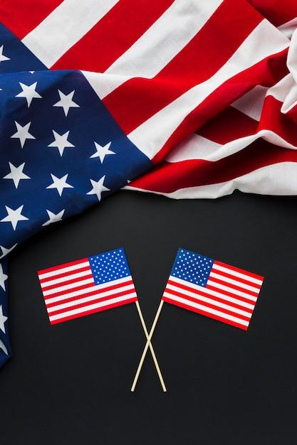 Vista superior das bandeiras americanas Foto gratuita
