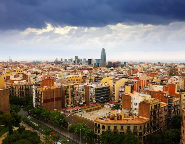 Vista superior de barcelona da sagrada família Foto gratuita