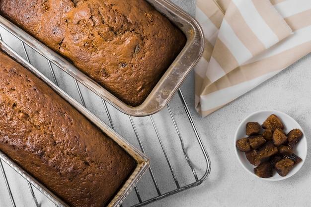 Vista superior de deliciosos pães doces Foto gratuita