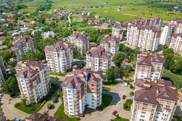 Vista superior do apartamento ou escritório edifícios altos Foto Premium