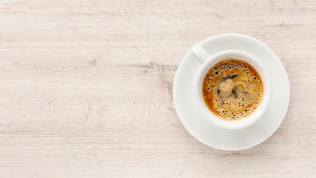 Vista superior do café para dia dos namorados com espaço de cópia Foto gratuita