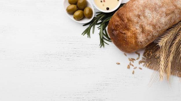 Vista superior do conceito de pão com espaço de cópia Foto gratuita