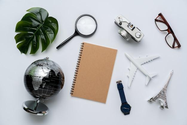 Vista superior do conceito de viagens ainda fotografia de vida Foto Premium
