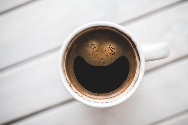 Vista superior do copo de café Foto gratuita