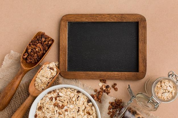 Vista superior mistura de cereais com espaço de cópia Foto gratuita