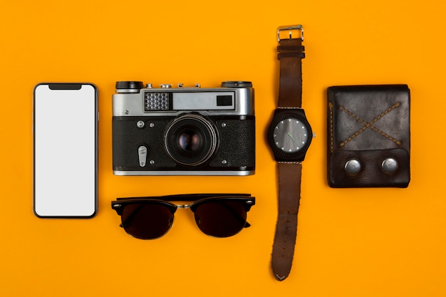 Vista superior principais ferramentas de viagem importantes Foto gratuita