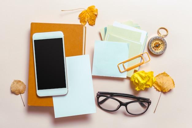 Vista superior smartphone mock-se modelo com tela preta Foto Premium