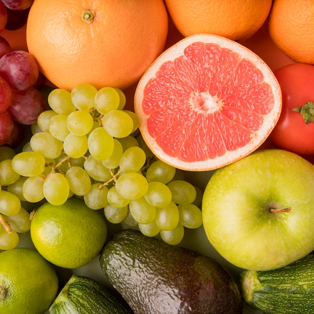 Vista superior variedade de frutas Foto Premium