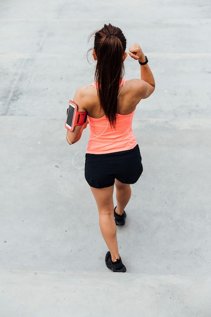 Vista traseira, de, atleta, exercitar Foto gratuita