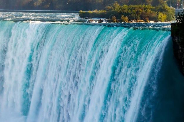Vistas fantásticas das cataratas do niágara, ontário, canadá Foto Premium