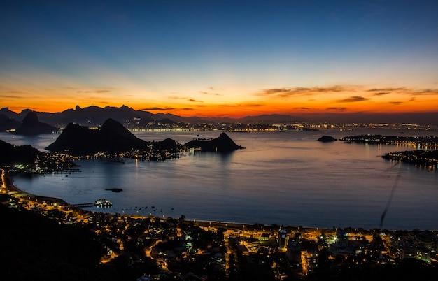 Visual da cidade de niterói Foto Premium