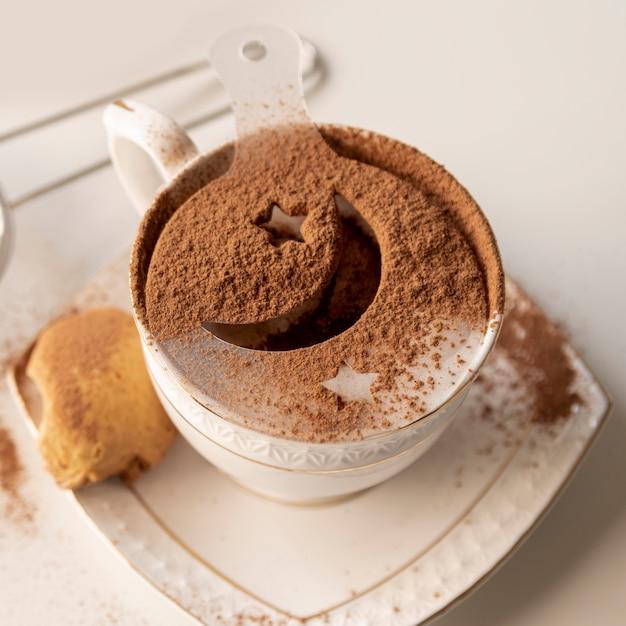 Xícara de café com o símbolo do selo de peru Foto gratuita