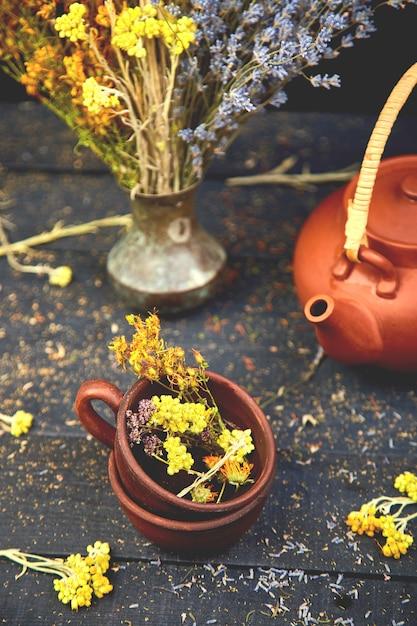 Xícara de chá de ervas Foto Premium