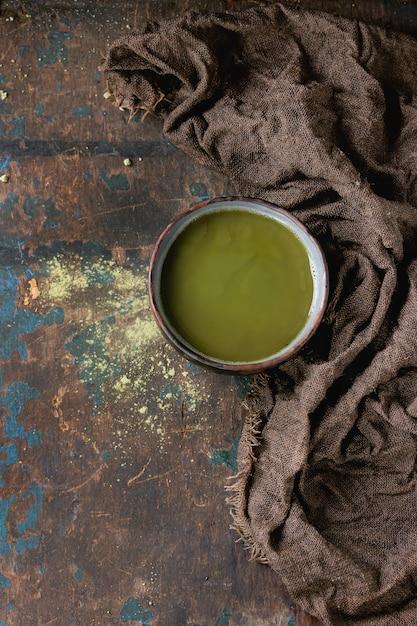 Xícara de chá de matcha Foto Premium